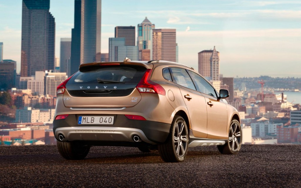 Новый Volvo V40 Cross Country