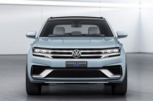 NAIAS 2015 года: Volkswagen превью среднего размера внедорожник с Cross Coupe GTE