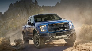 Pickup truck Ford F-150 Raptor promised a high pace on the pavement and off-road
