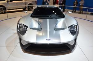 Попаданий и промахов с 2015 Chicago Auto Show