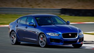 Forgive sedan Jaguar XE all the shortcomings of the stunning chassis