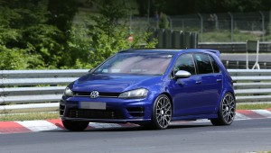 Hot hatch Volkswagen Golf R420 will appear instead of the Golf R400