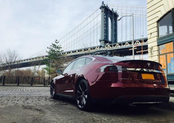 Tesla Model S Near The Manhattan Bridge