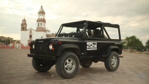 Petrolicious празднует Лэнд Ровер дефендер в Мексике