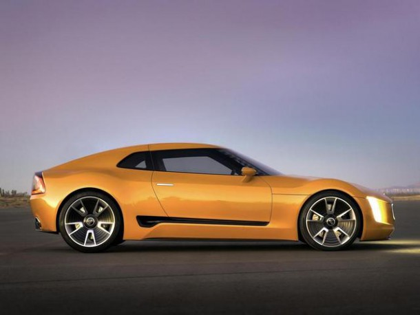 Kia-GT4-Stinger-side