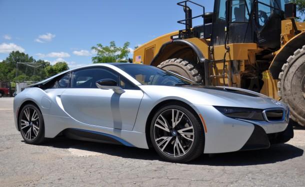 2015 BMW i8 side