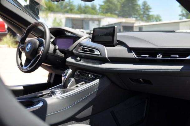2015 BMW i8 dash