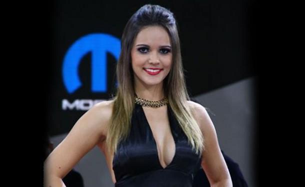 mopar girl pic courtesy www.webmotors.com.br