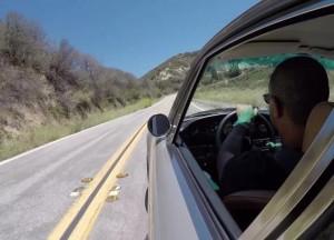 Со скоростью света классический 911 камни с колес уходит
