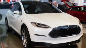 Тесла модель х оговорок раскрыть заднем сиденье, 250-мильный диапазон