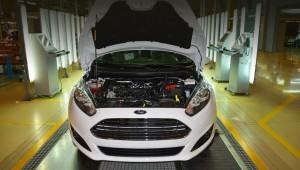 Форд выпустила первый легковой автомобиль с мотором от Елабуги