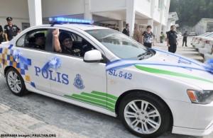 Полиции принять поставку Протон отель inspira новых патрульных машин