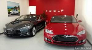 Тесла модель s 85 – первые две машины по пути в Малайзию