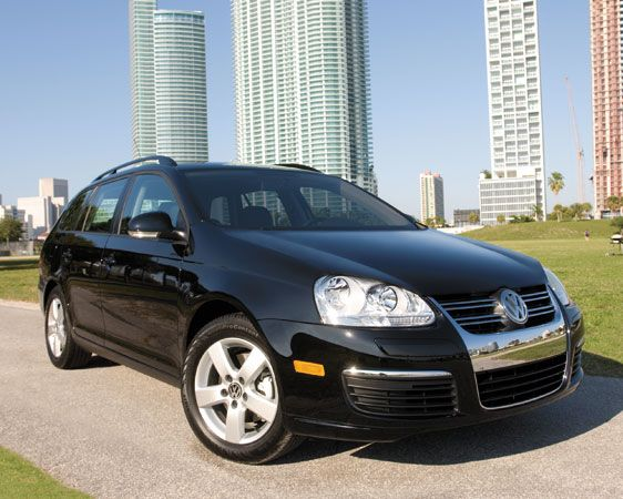 Are those tall buildings or are you just happy to see a 2009 Volkswagen Jetta [sportwagon]? (courtesy motortrend.com)