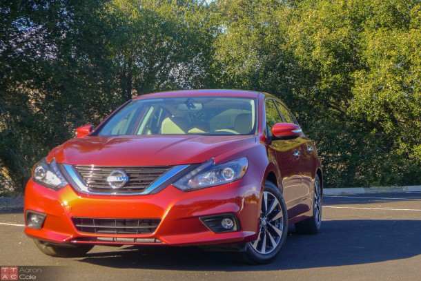 2016NissanAltima_(5_of_1)