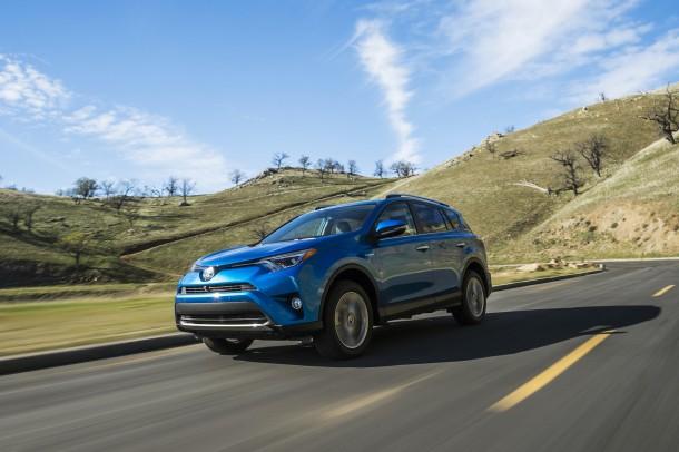 2016-Toyota-Rav4-Hybrid-2