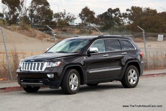 2012 Jeep Grand Cherokee Overland Summit-002