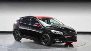 Hatchi на Форд Фокус черный и красный издание получил спортивное шасси