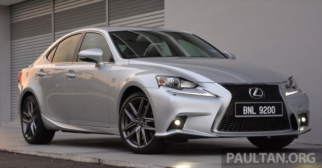 Lexus IS 200t Review 13
